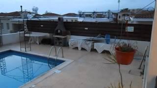 Снять апартаменты на Кипре, Пафос. Отдых на Кипре 2015(Видео обзор апартаментов на Кипре для Отдыха в 2015 году. Сделал отчет для своего товарища ,который хочет..., 2015-04-24T08:18:11.000Z)