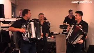 Orkestar Darka Antica (Lavovi), Hotel Golf - Kolo sa saksofonom za igru