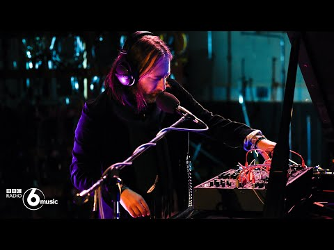 Thom Yorke - Unmade (Live for BBC Radio 6 Music)