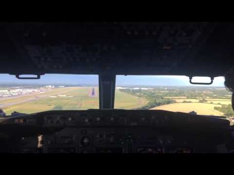 Cockpitview Landing in London stansted