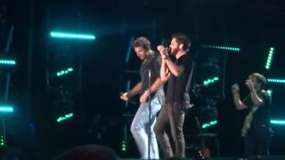 brett eldredge and thomas rhett sing you can t stop me live at cma fest