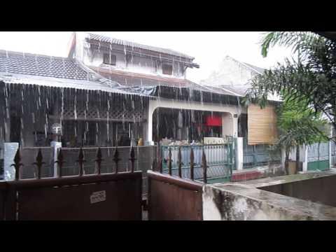 Jakarta streets raining 2