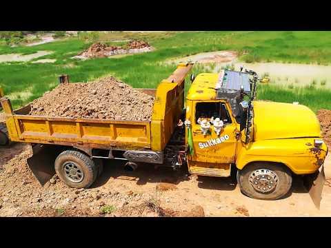 รถแบคโฮโกเบ Excavator KOBELCO ตักดินใส่รถหกล้อดั้มดิน Dump Trucks