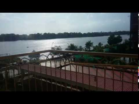 3 bedroom waterfront flat for sale in marine drive kochi