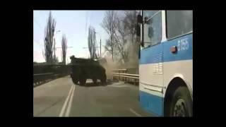 Новое видео ДТП Тигр врезался в троллейбус в Крыму.(http://utog.ru/novoe-video-s-registratora-dtp-tigra-i-trollejbusa-v-krymu/, 2014-04-08T07:48:29.000Z)
