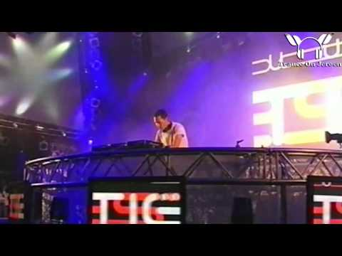 Tiesto [LIVE] - A Tear In The Open + Love Comes Again @Pinkpop 2004