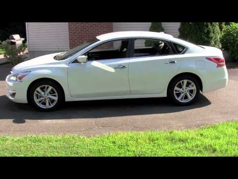 2013 altima camry camry hybrid accord 4cyl comparison youtube. Black Bedroom Furniture Sets. Home Design Ideas