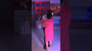 Танец сына и мамы на свадьбе