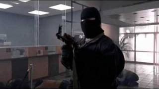Repeat youtube video 44 Minutes [2003] - Bank robbery