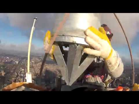 Ironworkers installing antenna on Chicago Willis (Sears) Tower