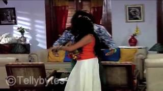 Swara teaches Kissan Dance Moves in Swaragini