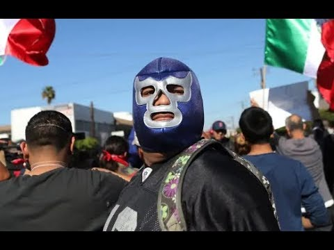 Heroic Mexicans Defend US from Invading Migrant Caravan