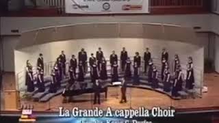 تجربة لطلاب مدرسة امريكية في اداء اغنية فوق النخل