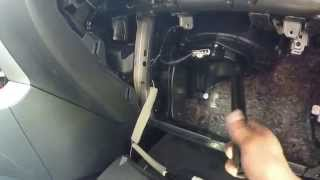 2013 Nissan Altima Sv : In-cab Air Filter Change