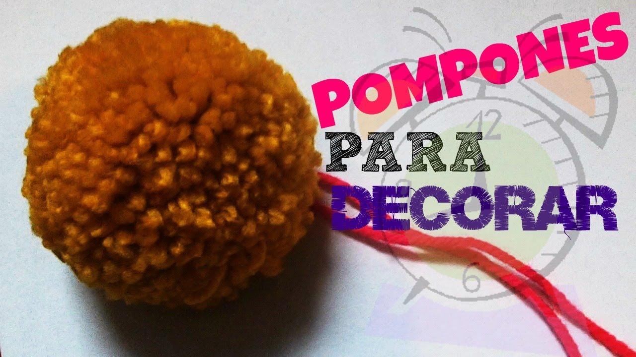 Como hacer pompones para decorar bufandas f cil youtube - Como hacer pompones ...
