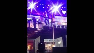 Nicki Minaj twerking to The Boys ft. Cassie (Live in Sydney)