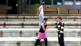 "Play Video 'Maroon 5 (feat. Christina Aguilera) - ""Moves Like Jagger"" Video (+ Lyrics)'"