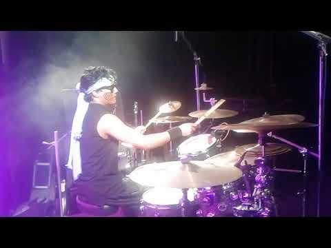 Bunty's percussion drums solo live(fakira)