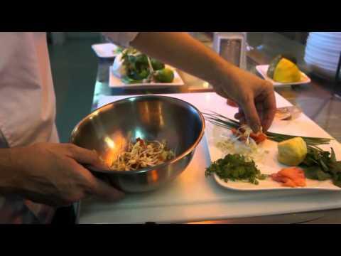 Picot grillé - Poisson du Lagon - Restaurant Nouméa - Au p'tit café.avi