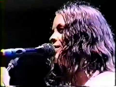 alanis morissette - 8-14-96 great woods - mansfield, ma