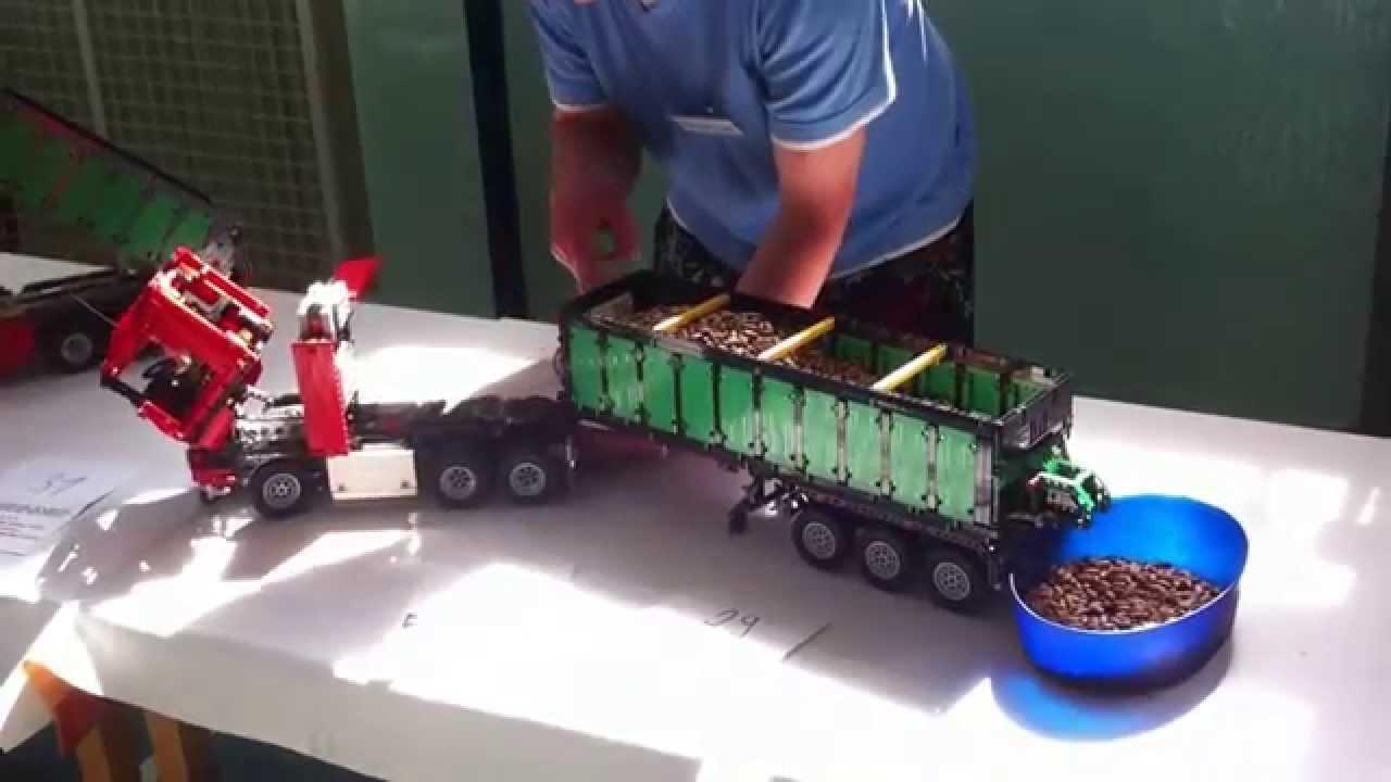 16bit.com: Toy Fair LEGO Technic from Adam Pawlus
