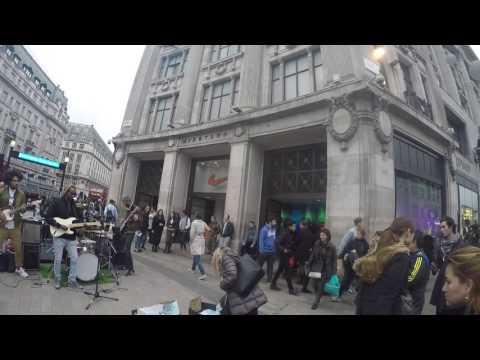 Ciberpop presenta Live music in Oxford St. London
