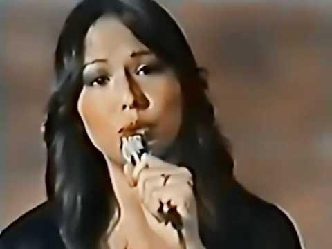 Yvonne Elliman  - Hello Stranger 3 05  (version mas larga)