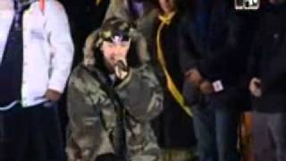 Like Toy Soldiers (Live @ TRL, Berlin, 2004) - Eminem.wmv