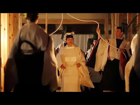 شاهد: إمبراطور اليابان يقضي ليلة مع - إلهة الشمس-  - نشر قبل 2 ساعة