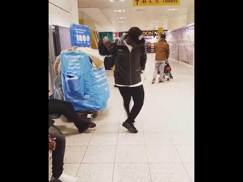 Download MOSEYOBO DANCING NI ATARIII ANGALIA MWENYEWE