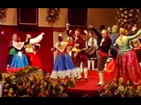 Naixement de l'actual esquema, de les Danses a la Mare de Déu dels Desamparats.