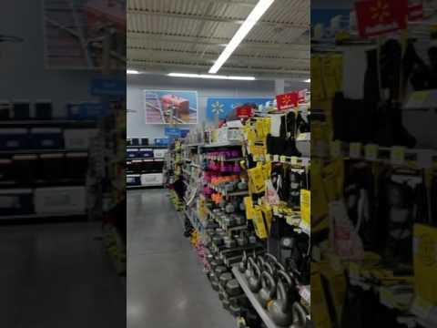Terren slamdunk @ Wal-Mart Naperville, Illinois