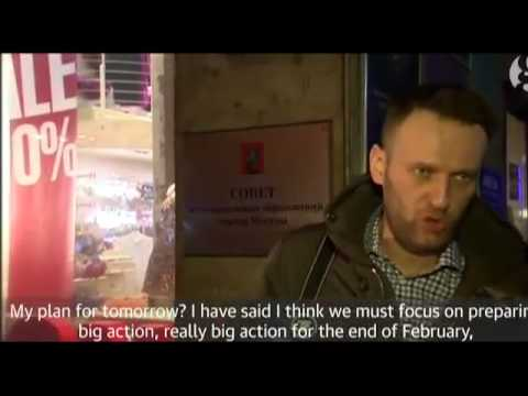 Russian opposition activist Alexei Navalny detained by police after giving interview   video   World