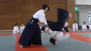 Cute girls high school student Aikido Demonstration!