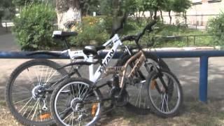 Девочка на велосипеде выскочила под машину(Водитель не успел затормозить Ссылка на сайт http://video.amur.info/news/2012/08/15/4898 / Видео предоставлено ТК