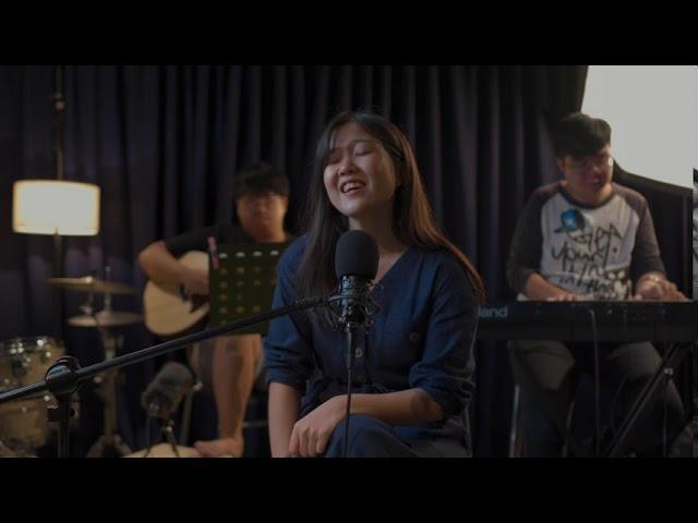 【翻唱】 爱很简单 by 陶喆 Cover by Christine & GiantSummon