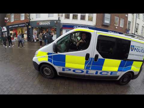 Police Action Drama, 11:30am, Northbrook Street, Newbury, 15th December 2K18.