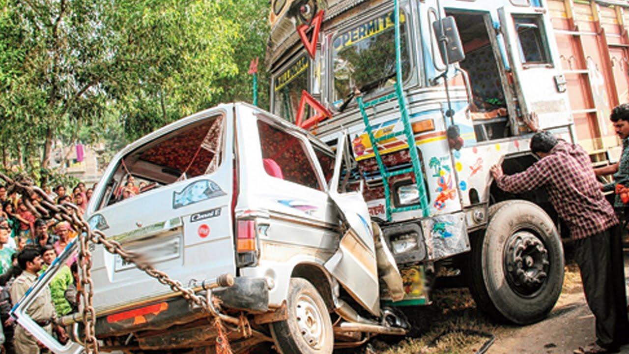 Latest Car Accident Of Maruti Suzuki Omni Van In India