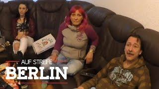 Familie ohne Benehmen: Haben sie die Rollstuhlfahrerin überfallen? | Auf Streife - Berlin | SAT.1 TV