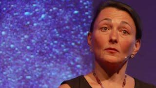 Hérédité au-delà des gènes | Isabelle Mansuy | TEDxMartigny