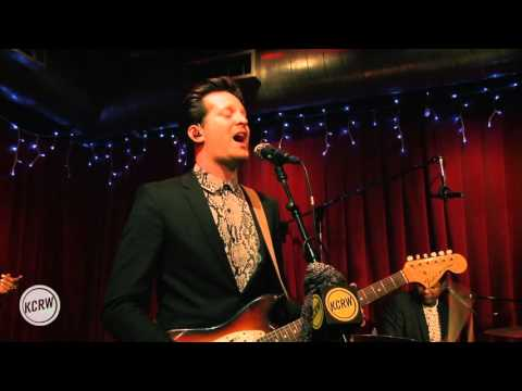 """Mayer Hawthorne performing """"Fancy Clothes"""" Live on KCRW"""