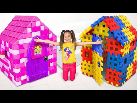 Sasha plays with Colored Toy Blocks and builds Playhouse for Princess
