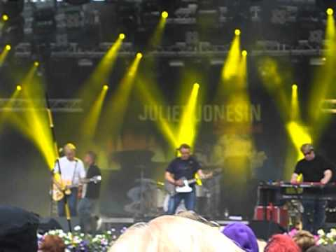 Juliet Jonesin Sydän - Kummajainen (live)