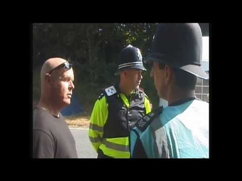 POLICE SNATCH SQUAD IN ACTION BALCOMBE FRACKING TARGETED INDIVIDUALS NO WARNING CL376