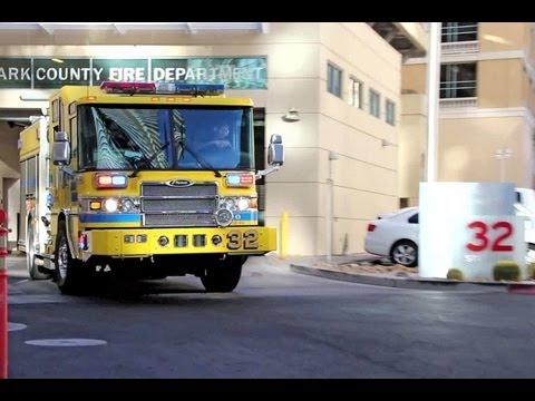 LAS VEGAS FIRE ENGINE RESPONDING ++ FIRE DEPARTMENT CLARK COUNTY TURNOUT FIRE STATION