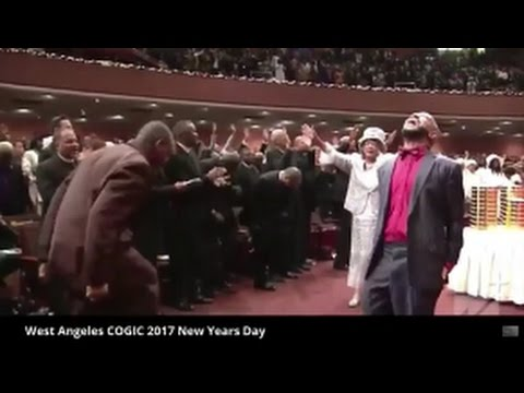 Lady Tramaine Hawkins Holy Ghost Took Over Praise Break West Angeles COGIC 2017!
