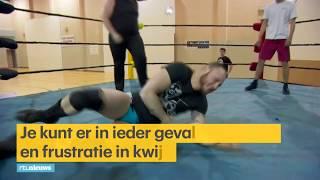 Duwen, Springen En Meppen: Deze Fanatieke Belgen Doen Aan Showworstelen - Rtl Nieuws