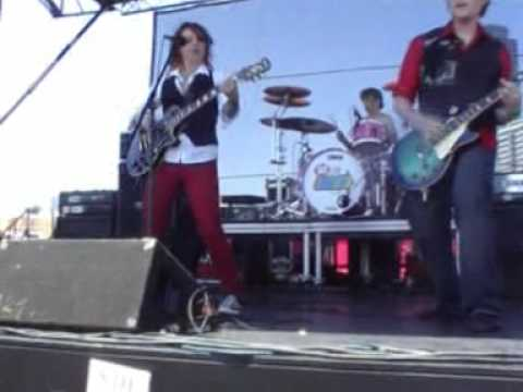 Warped Tour 2009 - Letters Make Words -