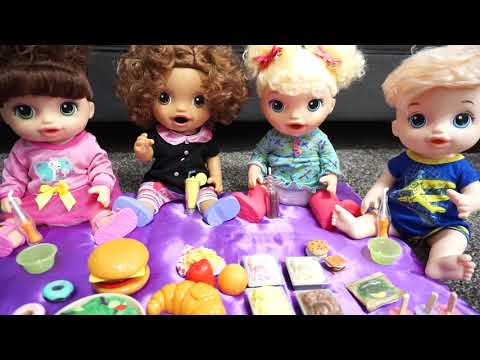 BABY ALIVE Thanksgiving Dinner!