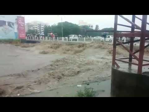 Heavy rains in Pune Throw life out of gear